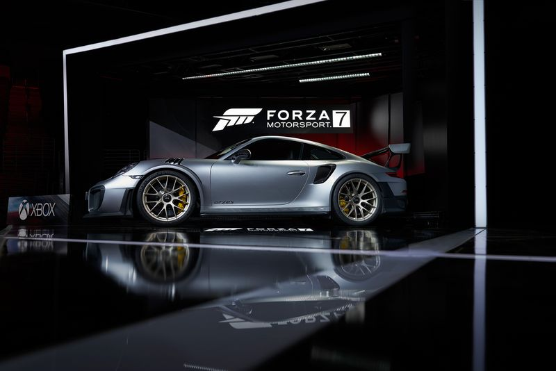 porsche-911-gt2-rs-revealed-at-e3-it-s-the-most-powerful-neunelfer-ever_3